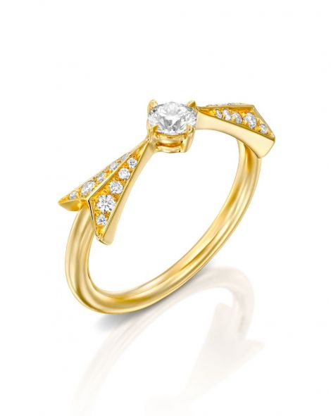 Flow Diamonds Arrow Solitaire Ring